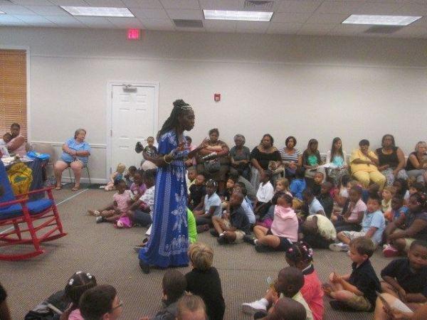 Queen Quet at Summer Reading Program