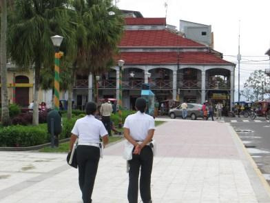 Plaza de Armas och Casa de Fierro.