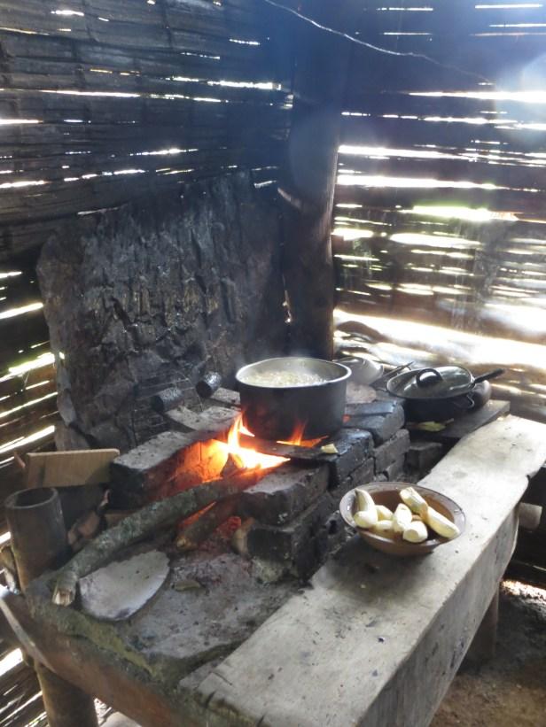 Traditionell sancocho kokas i alcaldens kök.