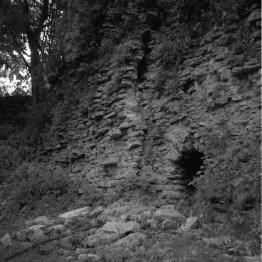 De vittrande murarna på Dahlbergs bastion Victoria.