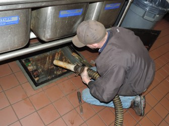 restaurant grease trap cleaning