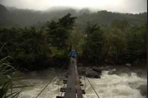 mindo-lloa-bridge-crossing-1