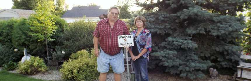 Janine Vaughan WINNER OF THE 2016 BEST BACKYARD COMPETITION GULL LAKE Town Beautification  Communities in Bloom