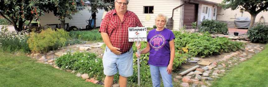 Lee McNabb Winner of the 2016 Vegetable Garden Competition GULL LAKE Town Beautification  Communities in Bloom