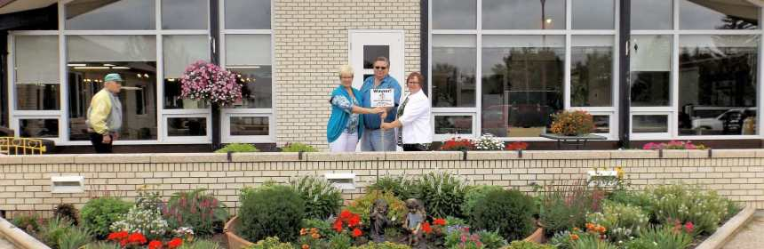Gull Lake Special Care Centre Ladies Auxiliary Wins the 2016 Non For Profit Organization Floral Display Competition GULL LAKE Town Beautification  Gull Lake Special Care Centre Communities in Bloom
