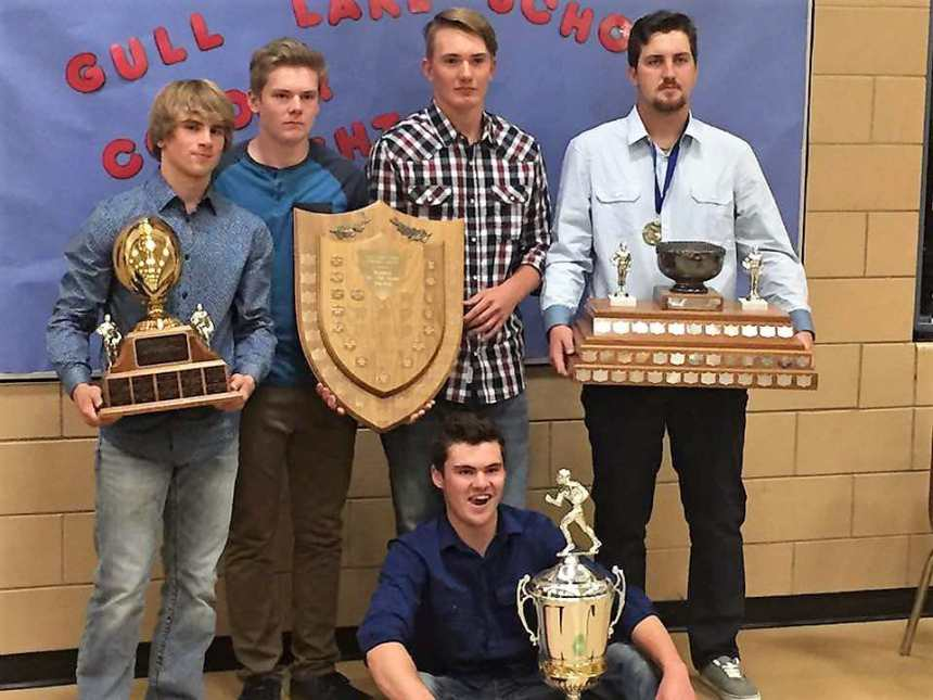 Gull Lake Lions 2016 Award Winners GULL LAKE  Gull Lake School