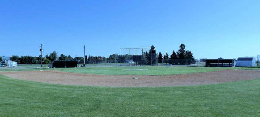 GLAA will be offering a Baseball Clinic on June 3rd from 12:00 pm – 4:00 pm. Cost is $50/player. The players will be split into groups and working through stations. Any questions please contact Tim Hodgins 306-672-7788. REGISTER at www.glathletic.ca In case of weather, the rink has been booked as a backup. Payment can be mailed to: GLAA Box 482 Gull Lake, SK S0N 1A0 or dropped off with Karen Bye at Gull Agencies. Payment must be received prior to clinic to reserve your spot.