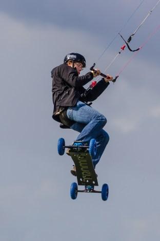 Kiteboard med terränghjul