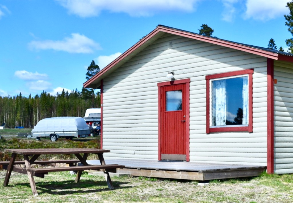Gullviks Campingstuga för 2-4 personer, med vackra Höga Kusten som granne
