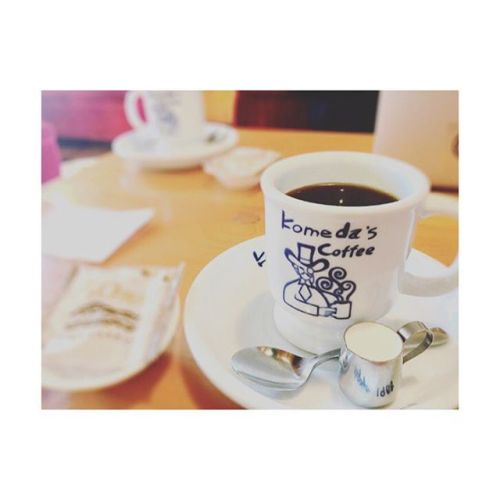 【Morning︎coffee】️️️今日も一日お疲れ様でした。---------#morning #coffee #time#black #コーヒー #cafe#กาเเฟ #ดำ #ชอบ #thai #komeda #コメダ珈琲 #休憩#あざみ野 #青葉台 #仕事#田園都市線 #お疲れ様#パグ #好き #セラピスト#タイ古式×アロマ#タイ古式マッサージ#タイ式リフレクソロジー #こだわり空間 #interior #simple