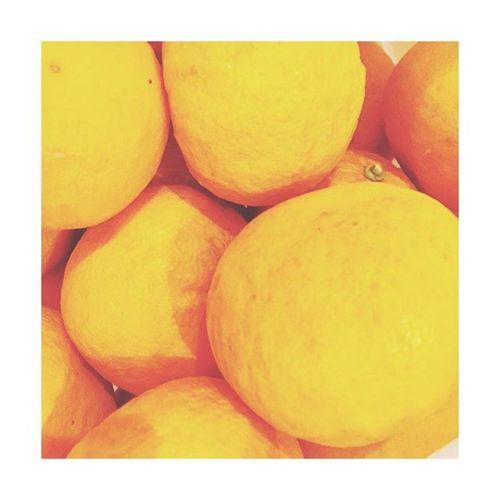 【甘夏】お客様のご自宅で採れる甘夏。毎年この時期に頂きます。ありがとうございます☻---------#fruit #甘夏 #orange#青葉台マッサージ #田園都市線 #青葉台#駅近サロン#リラクゼーションサロン #gumi#タイ古式マッサージ#タイ式リフレクソロジー #タイ古式 × #アロマ#リラックス #リフレッシュ#こだわり #空間 #interior#simple #design #asian #thai#癒し #パグ #dog #pug