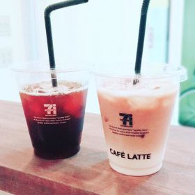 【Coffee Time】gracias🥤caro今日も1日お疲れ様でしたっ———#田園都市線 #青葉台 #タイ式#リラクゼーションサロングミ#タイ古式マッサージ #coffee #interior #asian #thai #massage#design #simple #relax #time