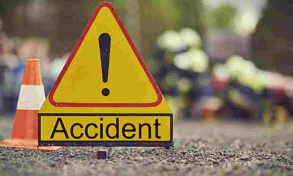 Image result for UP 6 killed 11 injured in collision between truck and pickup in Varanasi Jaunpur highway