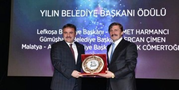 """ENGELSİZ SANAT PLATFORMU BAŞKAN ÇİMEN'İ """"YILIN BELEDİYE BAŞKANI"""" SEÇTİ"""