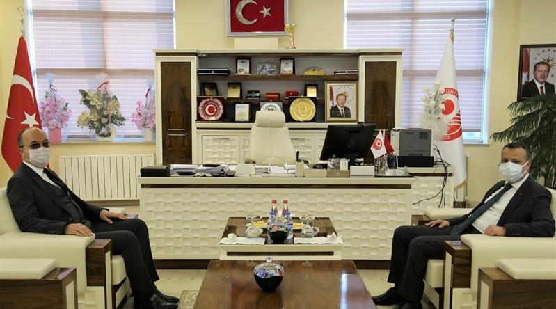 Vali Taşbilek'ten Rektör Zeybek'e 'Hayırlı Olsun' Ziyareti