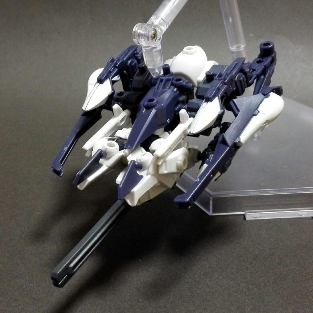 MOBILE SUIT ENSEMBLE 08弾のハイゼンスレイIIとフルドドIIと武器セットの組み合わせから再現したハイゼンスレイII・ラー(第二形態)のMS形態とMA(モビルアーマー)形態の画像