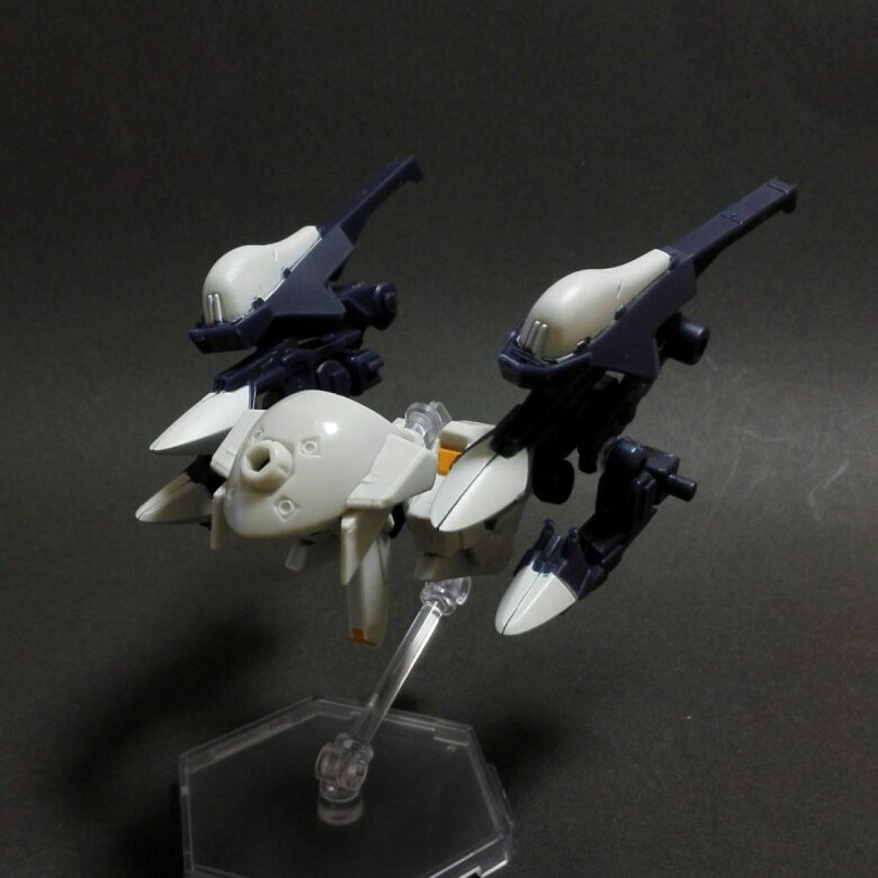 MOBILE SUIT ENSEMBLE 04弾のウーンドウォートと08弾のフルドドIIとEX03弾のギャプラン・ブースターの組み合わせからウーンドウォート・ラーとウーンドウォート・ラー(第二形態)とウーンドウォート・ラー(第二形態/巡航形態)のMS形態とMA形態の画像
