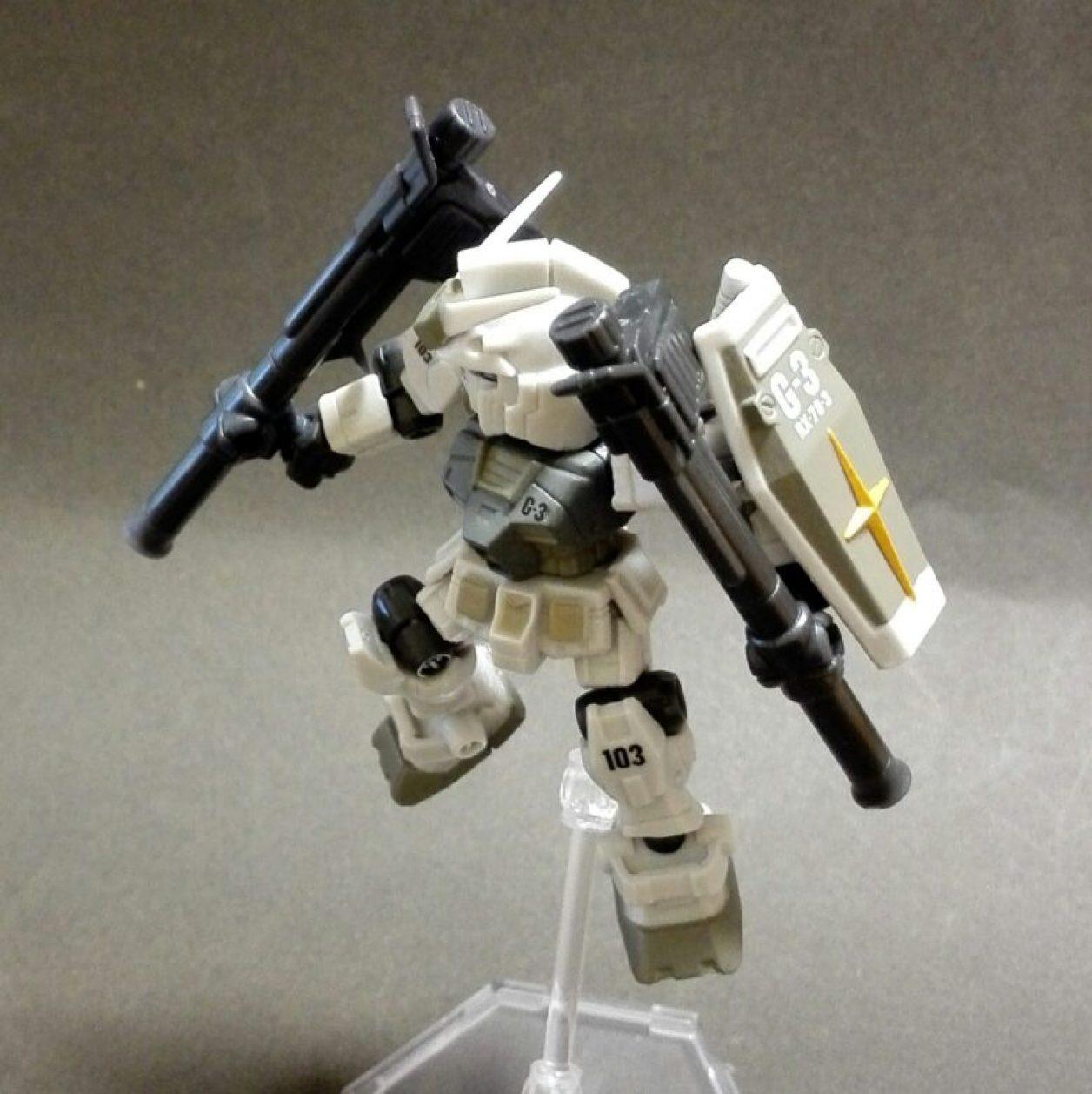 MOBILE SUIT ENSEMBLE(モビルスーツアンサンブル)1.5弾のガンダム(G3)と武器セットのハイパー・バズーカ2丁を組み合わせの画像