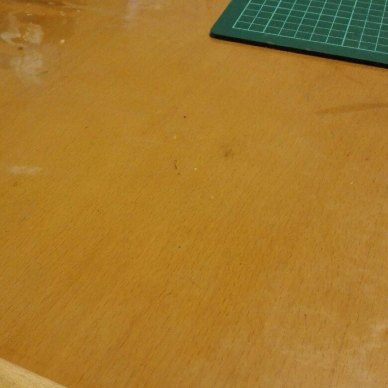 ガンプラ制作でお勧めのお役立ちツールの卓上掃除機で清掃した後の画像