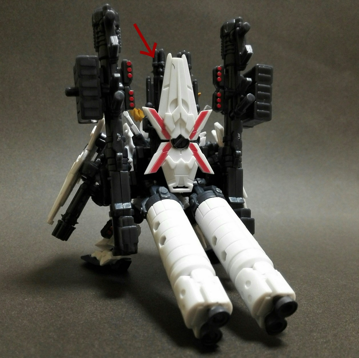 mobile suit ensemble ex13 フルアーマー・ユニコーン[RED.ver]のフルアーマー・ユニコーンガンダムの組立方法の画像