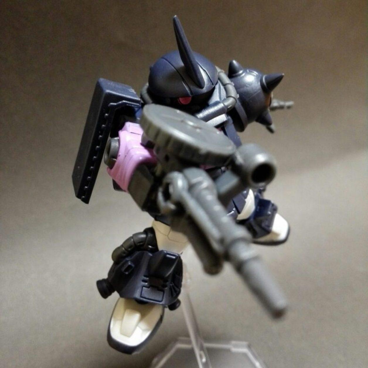 MOBILE SUIT ENSEMBLE(モビルスーツアンサンブル)12弾高機動型ザクIIにMS武器セットのザクマシンガンを装備させた画像