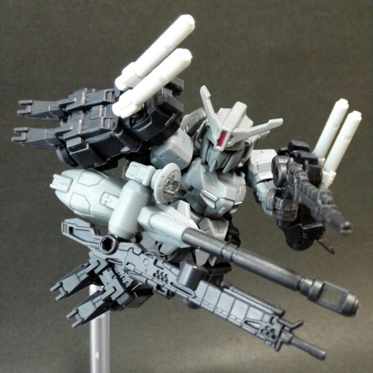 mobile suit ensemble(モビルスーツアンサンブル)14弾のゼータプラスとMS武器セットと13弾Sガンダム用ブースターの組み合わせから作ったゼータプラスC1[Bst]ハミングバードを再現した画像
