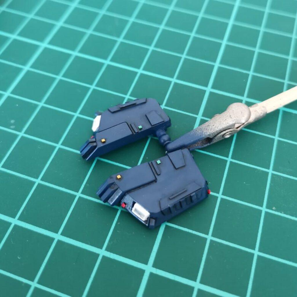 hguc zzガンダムの腰部ユニットにディテールアップパーツのバーニアを追加した画像