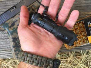 A five-point checklist to pick the right tactical flashlight
