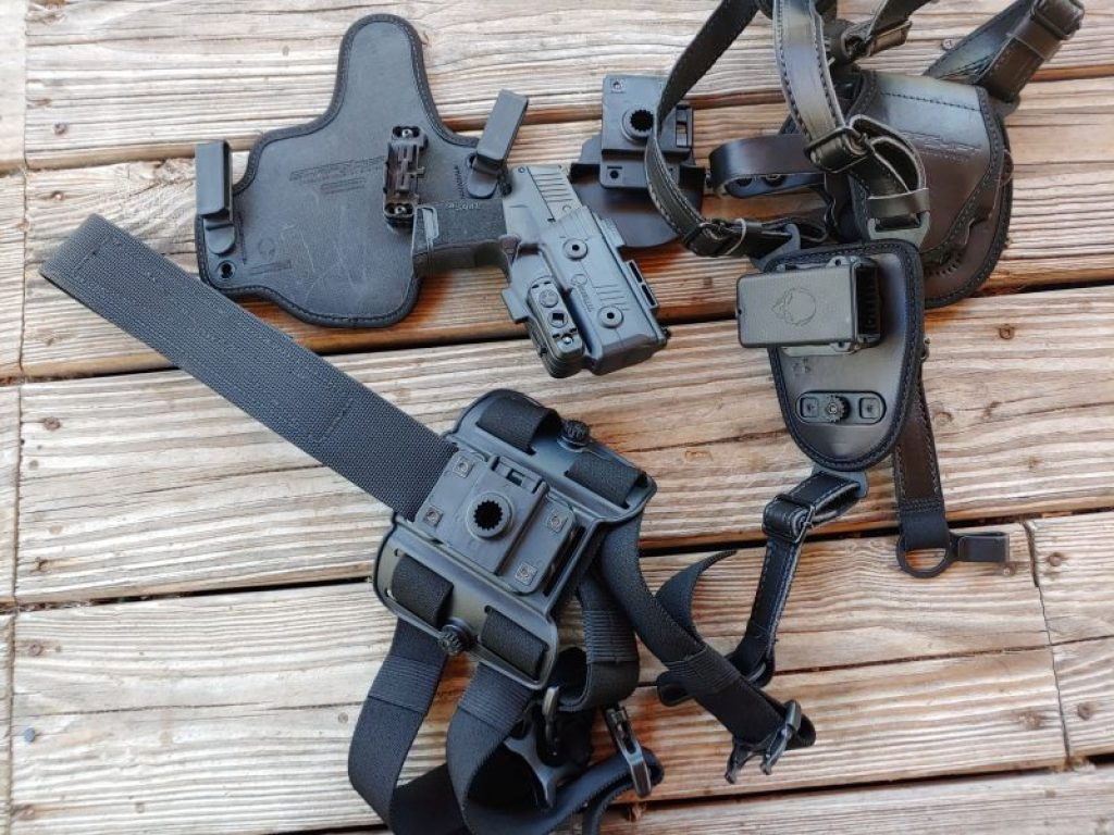Top 5 Best SIG P365 Holsters For Everyday Carry - Gunners Den