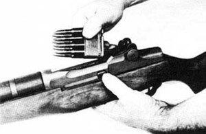 Unloading the M1 Garand With En Bloc Clips