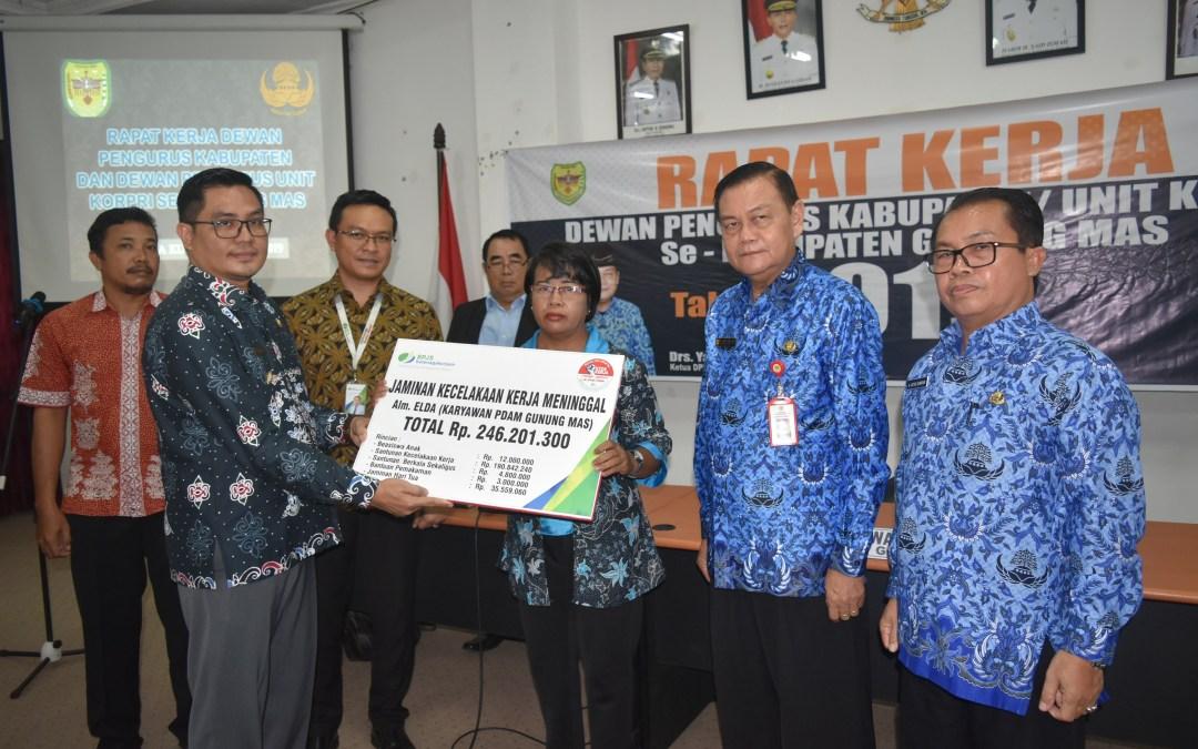 BPJS Ketenagakerjaan Berikan Santunan Senilai Rp. 246.201.300 untuk Ahli Waris Triana Yulianti