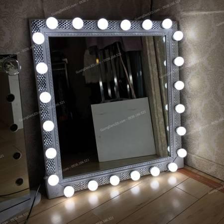 Gương đèn led trắng bạc