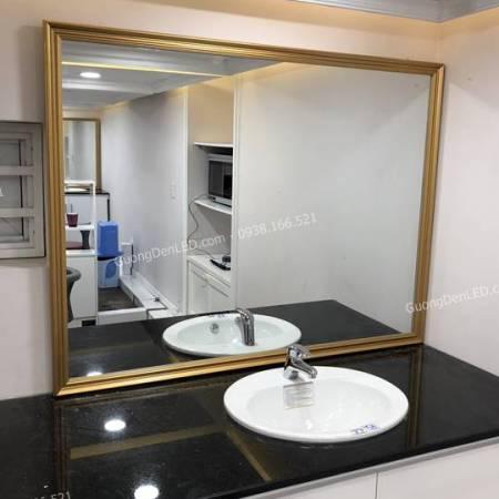 Gương Soi Toilet Khung Gỗ Vàng Đồng Sang Trọng - 1m2 x 2m