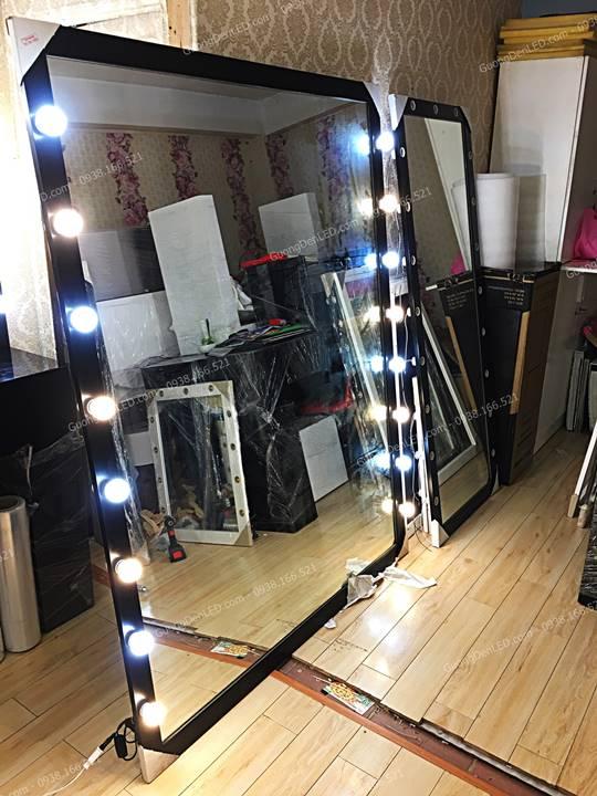 Gương Soi Lớn Gắn Đèn LED