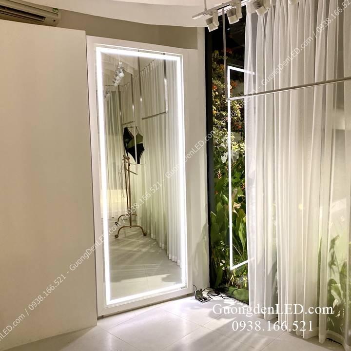 Gương Shop Thời Trang Đèn LED