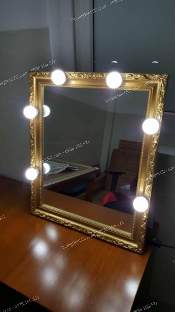 Gương trang điểm đèn led hoa văn
