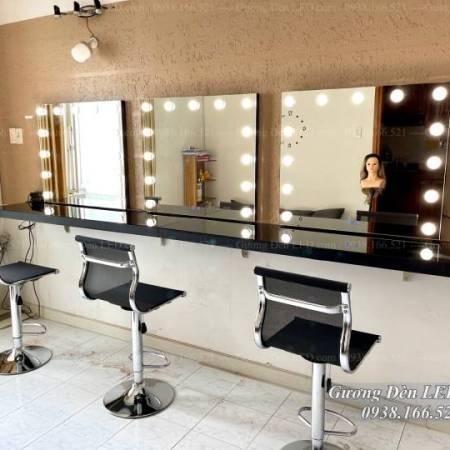 Bàn Makeup Chuyên Nghiệp