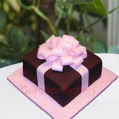 box with love birthday cake