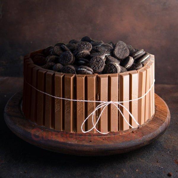 oreo vs kitkat cake