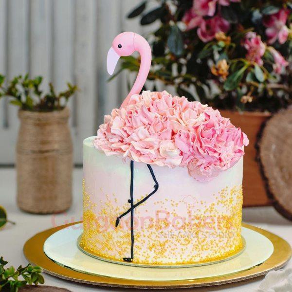 pink flamingo creamy birthday cake