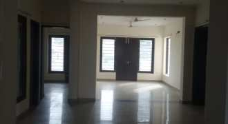 4 BHK INDEPENDENT FLOOR, 360 YDS, VIPUL WORLD