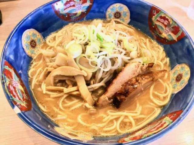 旭川濃厚豚骨いっぱち・味噌ラーメン専門店@寒川町