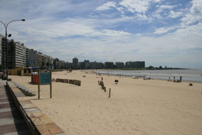 Montevideo beaches - Playa Pocitos by Gabriel Millos