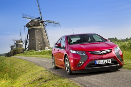 Az Opel első teljesen elektronikus autója Forrás: Opel