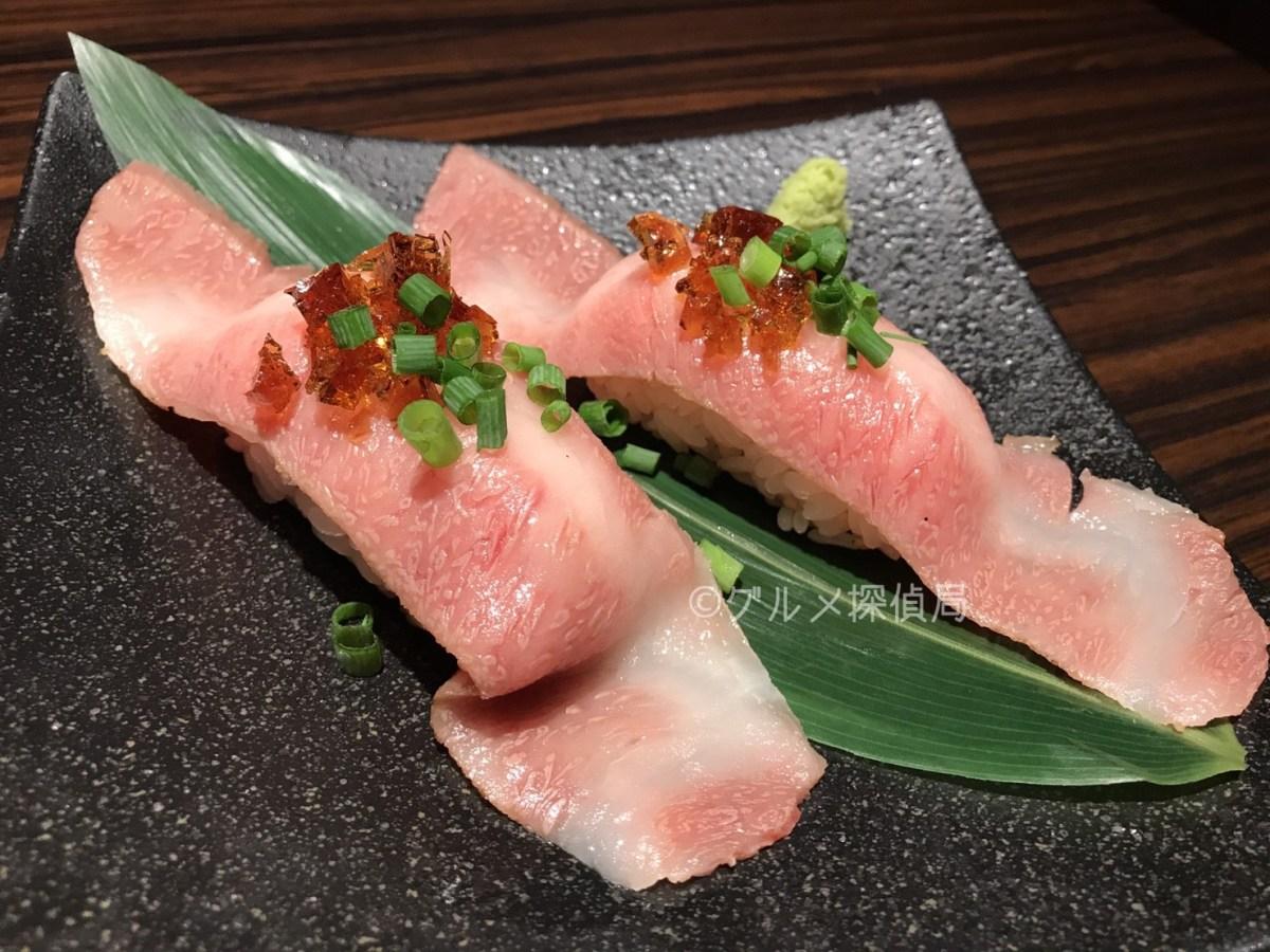とろける肉寿司!新橋「徳壽はなれ」で山形牛炙りひとくち寿司&ローストビーフユッケ雲丹添え