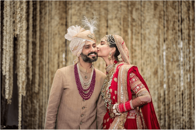 Sonam-Kapoor-and-Anand-Ahuja marriage image