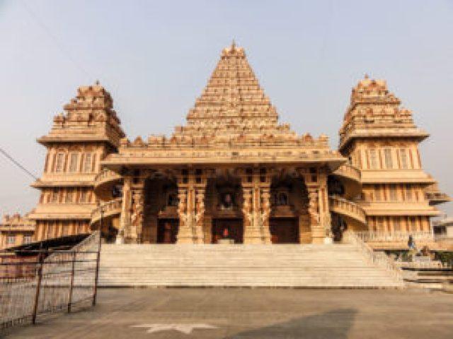 chattarpur-temple-at-chhatarpur-in-delhi