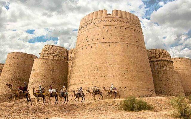 Derawar-Fort,-Bahawalpur-Punjab-pakistan