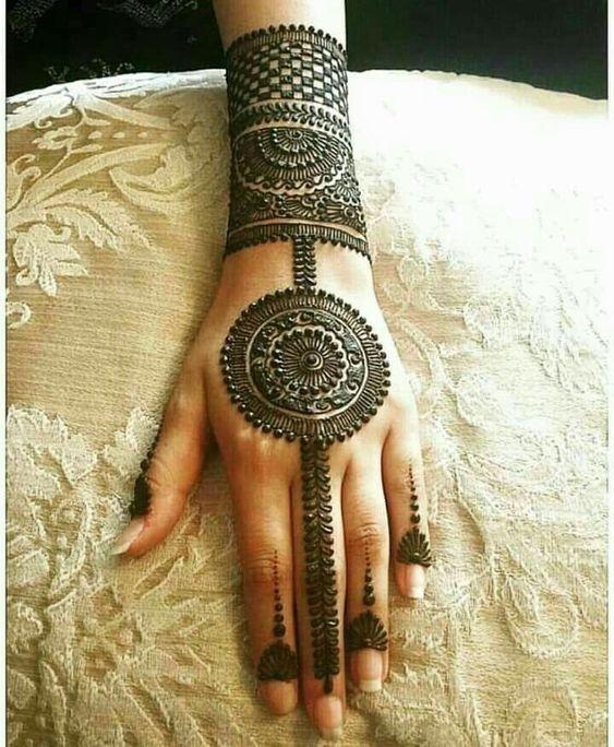 traditional mehndi mandala design