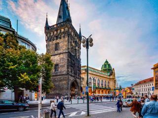 Пороховая башня или Пороховые ворота в Праге